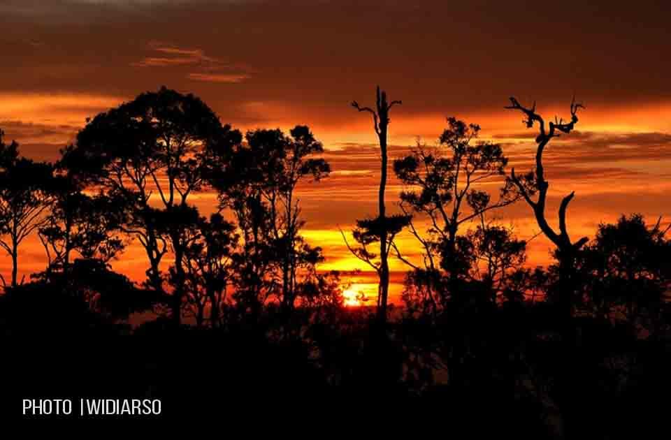 Sunset di Pos 5 gunung Bawakaraeng
