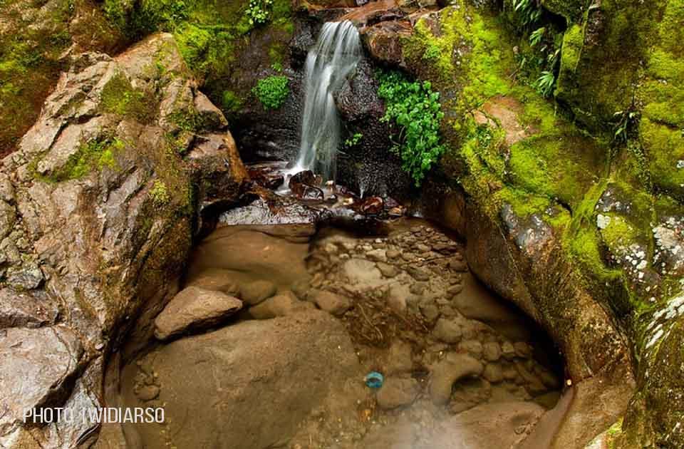 Sumber air di pos 8 gunung Bawakaraeng