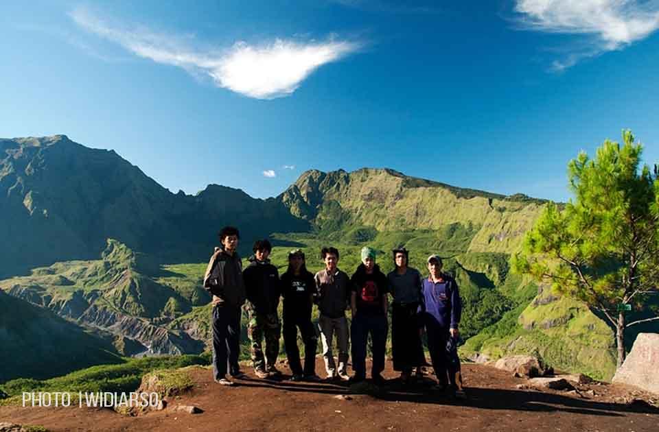 Foto bersama dengan teman-teman PANIK UNIFA Makassar